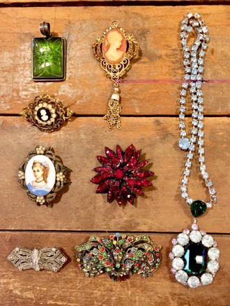 Vintage Jewelry and Costume Jewelry